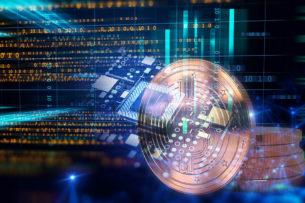 La tecnología blockchain revoluciona la economía del siglo XXI y el periodismo. La tecnología denominada de cadenas de bloques hay que hablar primero de su origen, el bitcoin, una de las criptomonedas (monedas digitales) más populares que se emplea en la actualidad para realizar transacciones de activos digitales en Internet con total privacidad a través de un protocolo tecnológico fiable y seguro.